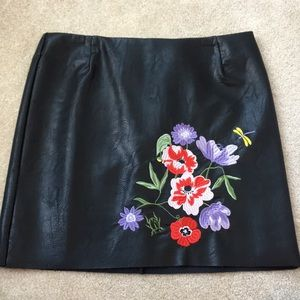 NEVER WORN, embroidered, leather, mini skirt